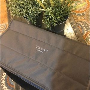 NWOT - carry all soft case w/ adjustable strap
